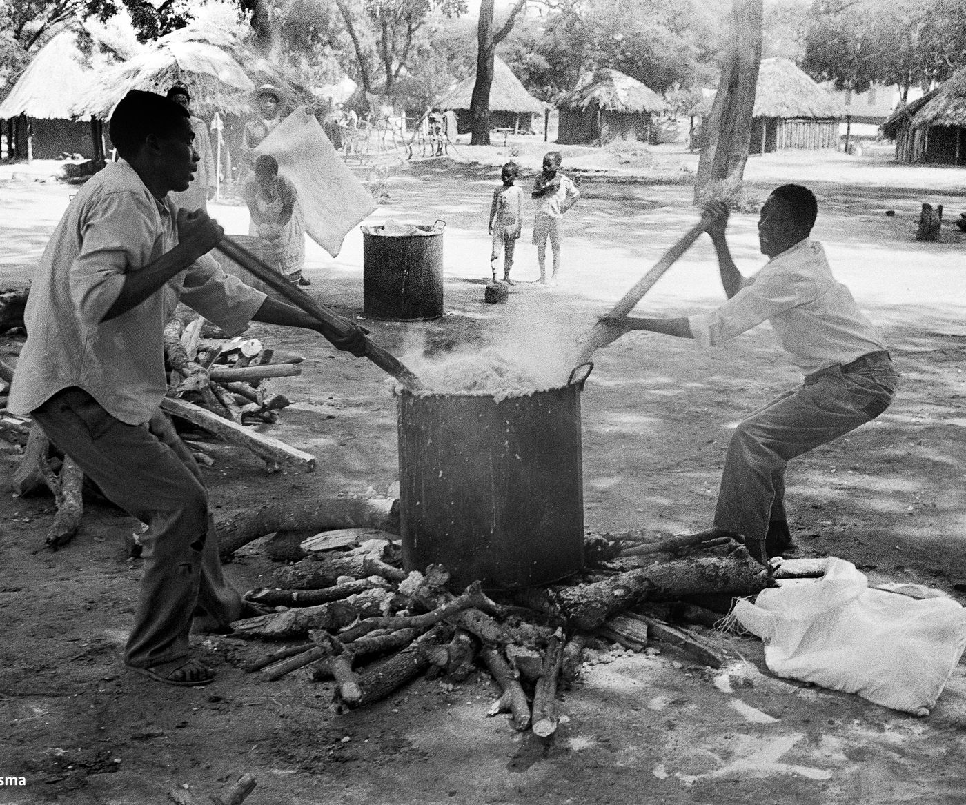 Kitchen At  Tongogara  Refugee  Camp In  Zimbabwe 1989