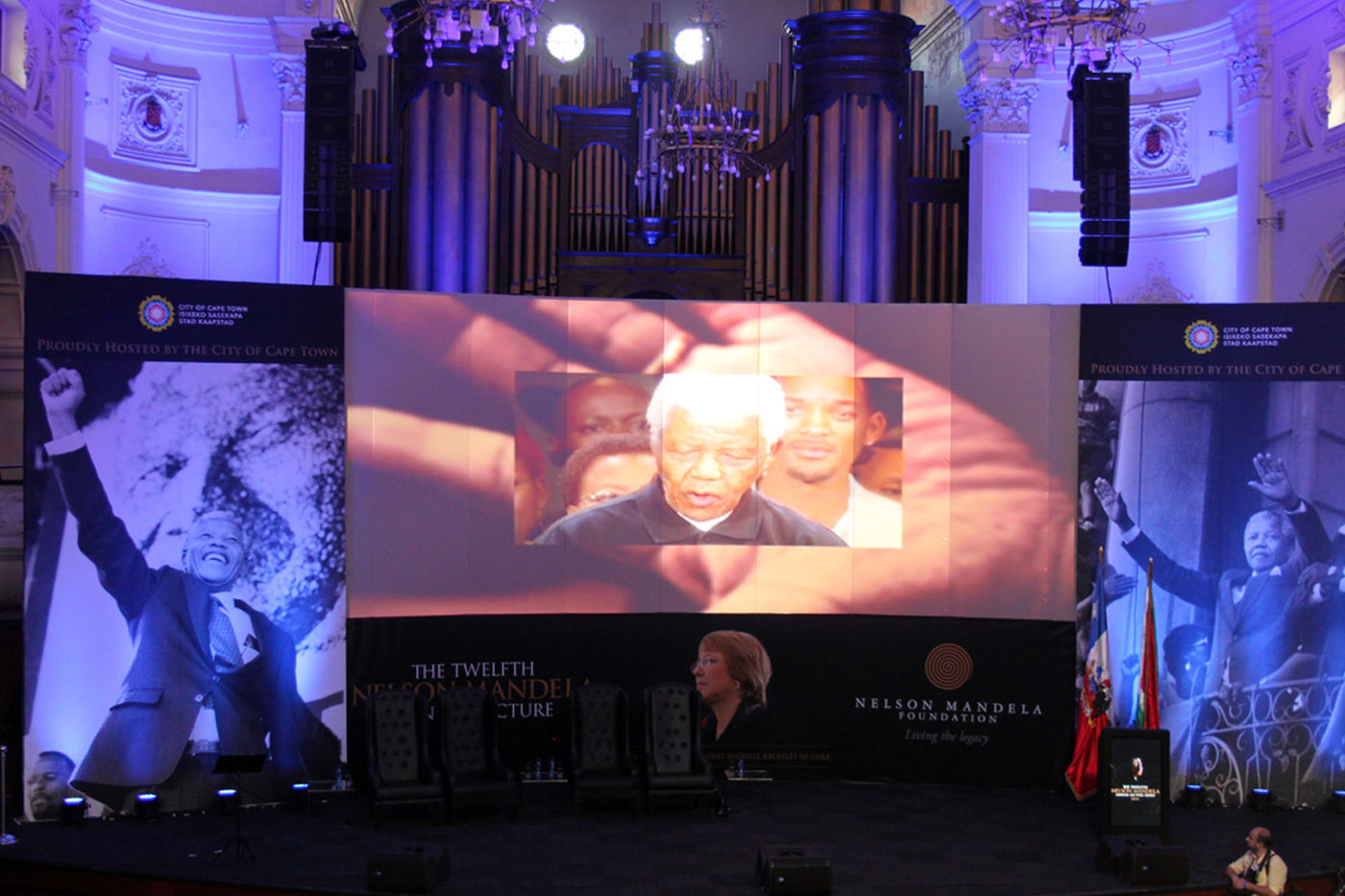 Nelson  Mandela  Annual  Lecture 2014   Stage With  Mandela Video 1