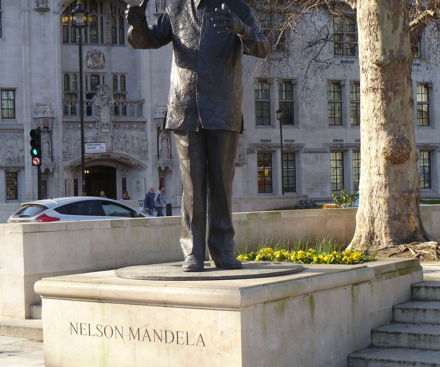 Statue Of  Nelson  Mandela In  Parliament  Sq